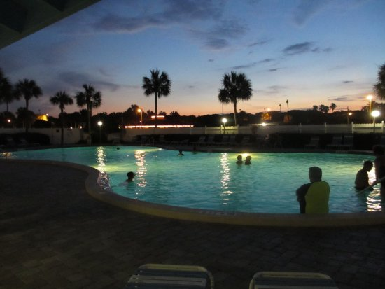 St. Augustine Ocean & Racquet Resort: Larger pool at night