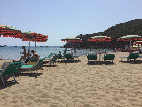 Spiaggia le rocchette picture of bagno la capannina - Bagno rocchette ...