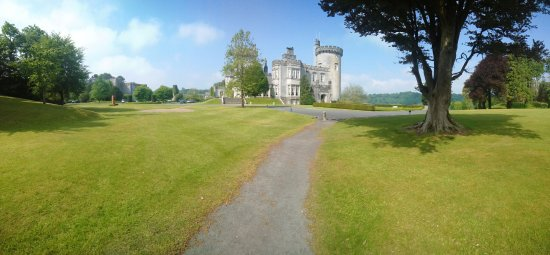 Dromoland Castle Hotel: A very pleasant place to wander