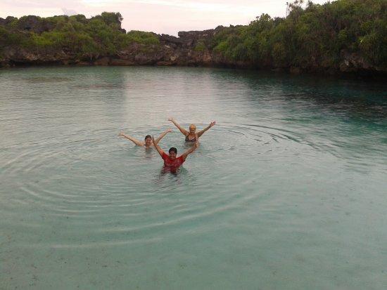 Sumba, Indonesia: Swimming in hidden lagoon