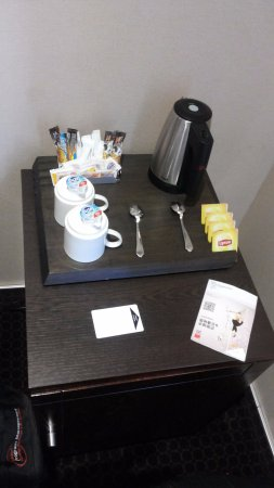 Grand Hotel Francais: Tea/Coffee in the Room.