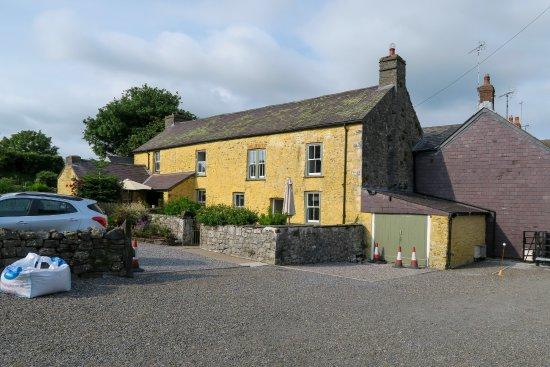 Plas Farmhouse B & B: The Farmhouse