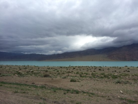 Kochkor, Kirgisistan: the lake