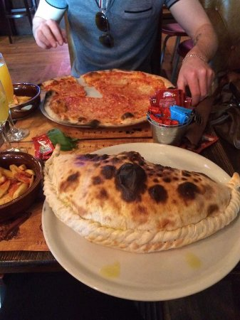 Calzone/ pizza & bellinis!