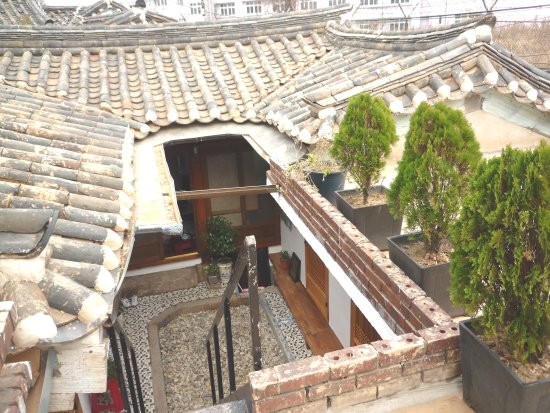 Raon Guesthouse : on the roof top