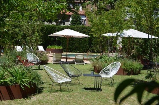 Hotel Primero Primera : Rear garden