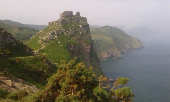 Chough's Nest Hotel: a five minute walk to the Valley of the Rocks