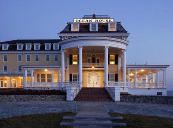 The Ocean House: Teak deck and grand entrance