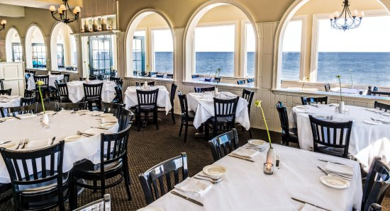 The Ocean House: Dining with a view
