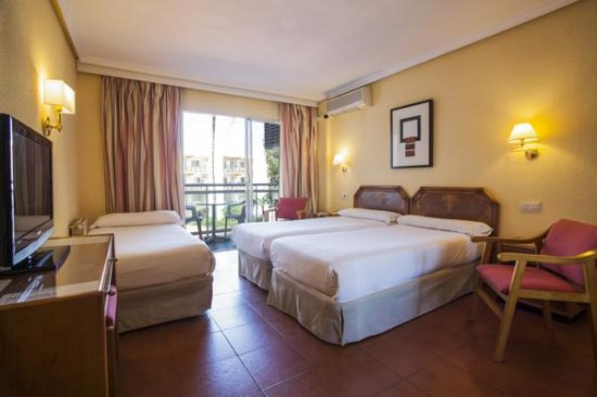 Hotel Palmasol: Triple room