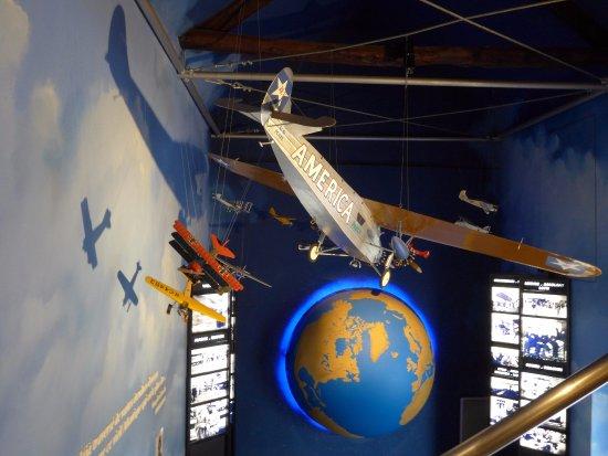 Ver-sur-Mer, Francia: Geschichte der Luftpost zwischen Amerika und Frankreich