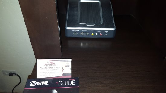 Sooner Legends Inn & Suites: The room included a DVD player and media connector. They even had DVDs to borrow which was nice