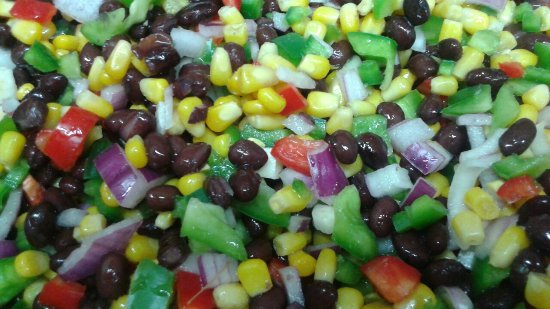 Lobster Barn Pub and Eatery: Fresh black bean salsa