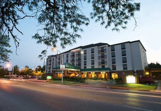 Photo of Courtyard by Marriott Bloomington