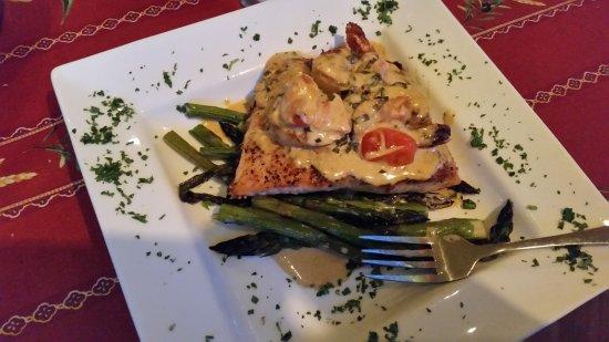 Martha's Leelanau Table: The salmon, flavorful, with fresh asparagus