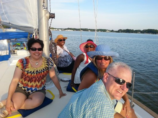 Galesville, MD: Good times on Non Sea Quitter!