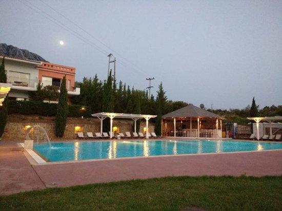 Thalassa Hotel & Spa Paleros: Πισίνα