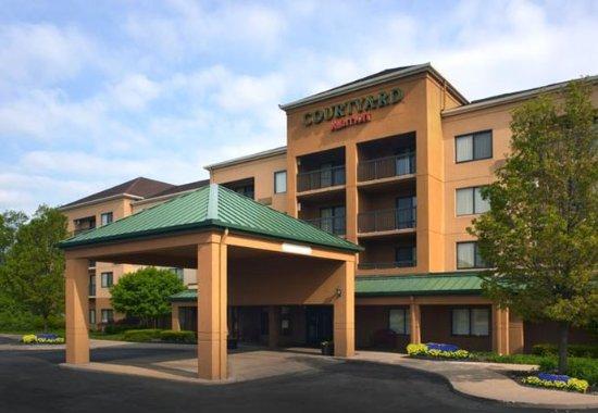 Photo of Courtyard Cleveland Westlake