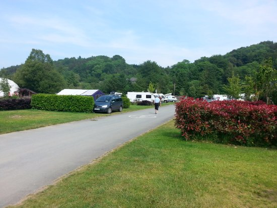 Hidden Valley Holiday Park: Good open site