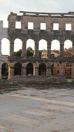 The Arena in Pula: IMG_20160621_201217_large.jpg