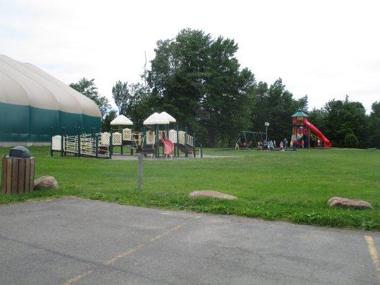 Ontario, estado de Nueva York: Casey Park - playgrounds