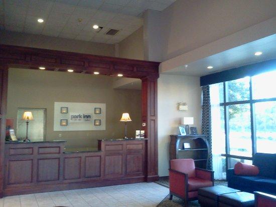 Park Inn by Radisson Williamsburg Historic: Lobby 2