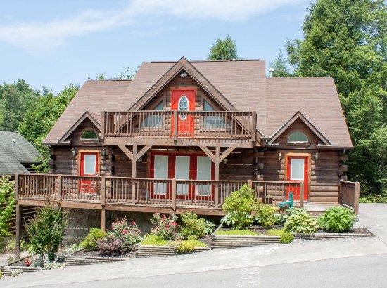 Honeysuckle Lodge 5 Bedroom Log Cabin Picture of Mountain