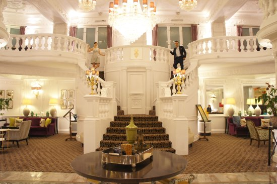 St. Ermin's Hotel, Autograph Collection: Beautiful lobby...cool for pics