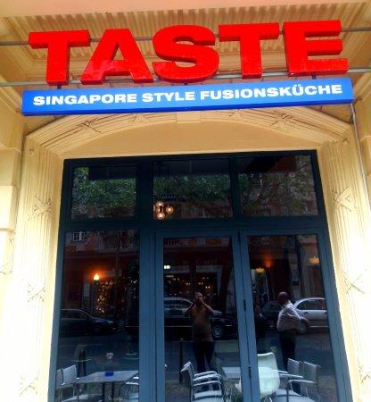 taste singapore style fusionkueche berlin restaurantanmeldelser tripadvisor. Black Bedroom Furniture Sets. Home Design Ideas