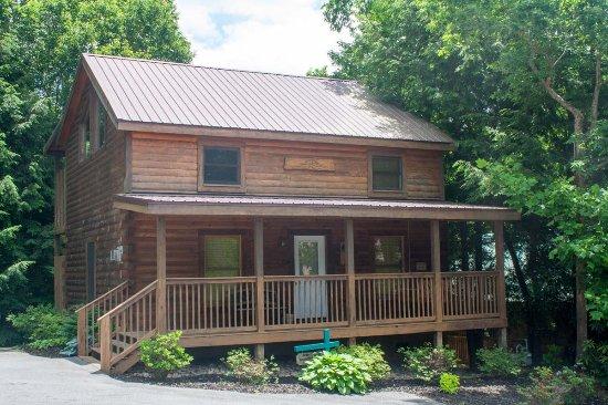 Mountain Shadows Log Home Resort