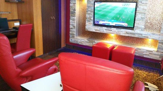 Hotel Sperling: Gezellige lounge zitjes om heerlijk tv te kijken