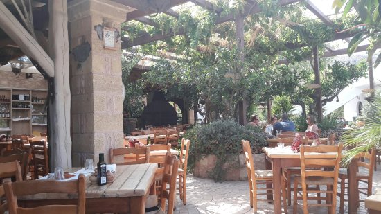 Kaliviani, Grecia: 20160623_165439_large.jpg