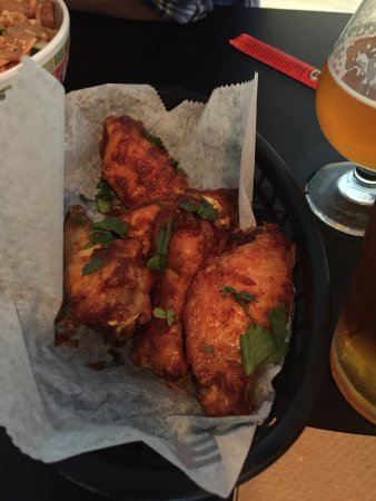 Granville, OH: Thai Curry Wings