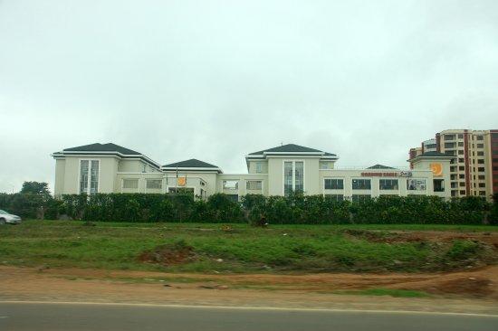 Eka Hotel Nairobi: Street view of the hotel