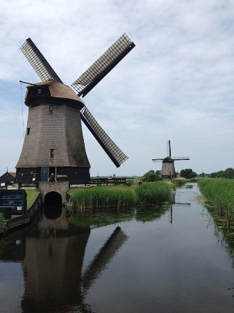 Holland Personal Tour Guide: The Famous Windmills