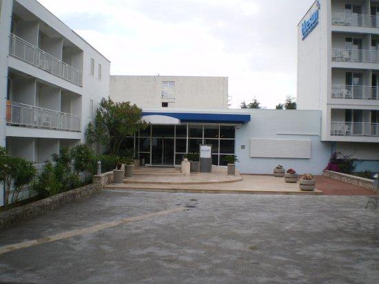 Bluesun Hotel Borak: entrée principale