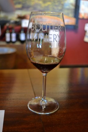 Danielsville, GA: Glass of wine