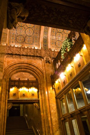 Woolworth Building: Lobby at night
