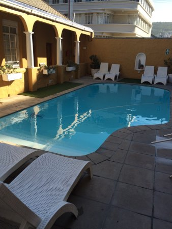 Great hostel, nice room, bar and pool