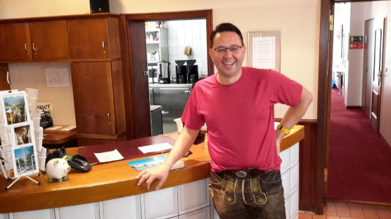 Hotel Laimer Hof: Sebastian at the front desk