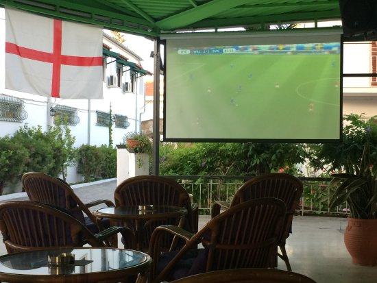 Wembley Bar Kavos Photo