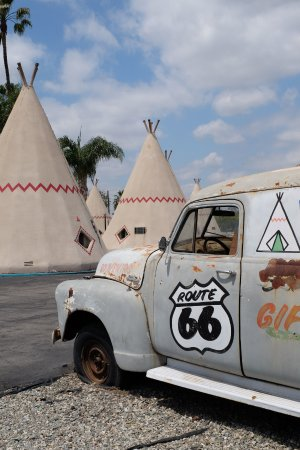 Nostalgia awaits you at the Wigwam Motel! View of grounds.