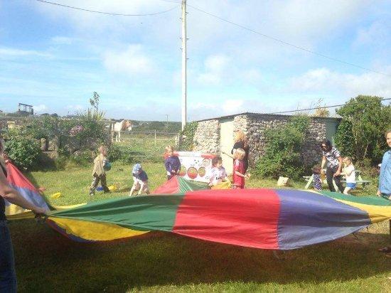 Apple Tree Cafe: Birthday parties - parachute games