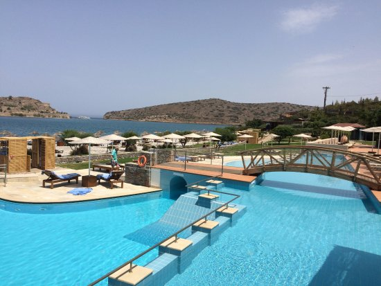 Blue Palace, a Luxury Collection Resort & Spa: Piscina comum gigante