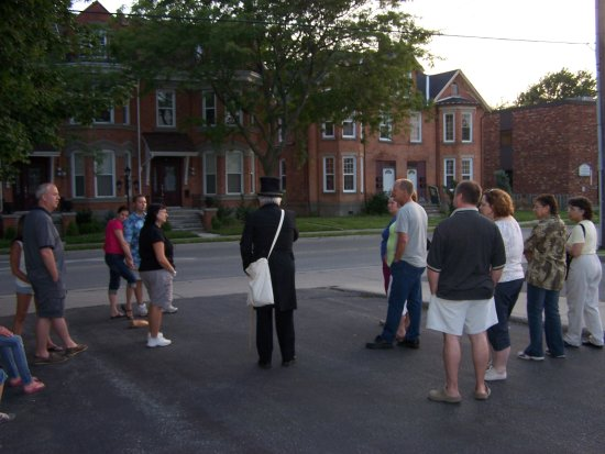Chatham, Kanada: Jim telling a ghost story in 2011