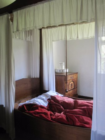 The Funen Village: Vicarage boasted a four-poster bed