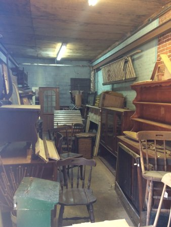 Carlton, GA: Furniture