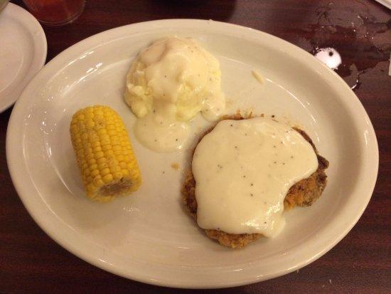 Bowie, TX: Chicken fried steak