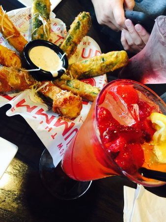 Red Robin Gourmet Burgers : Freckled lemonade and zucchini sticks $15 including tax. Looks pretty but meh