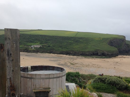 The Scarlet Hotel: The cliff top hot tub
